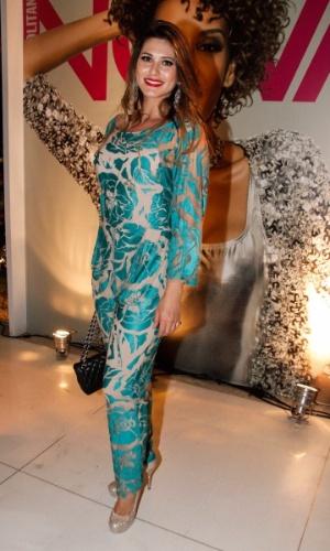 """1.set.2014 - Lívia Andrade usa um macacão para ir à festa da revista """"Nova"""" e dos 30 anos de carreia do cabeleireiro Marco Antônio di Biaggi, em São Paulo"""