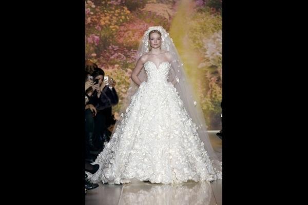 Vestido de noiva com bolsos é tendência