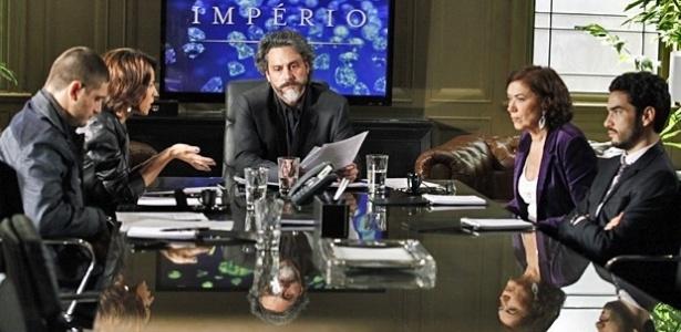 José Alfredo denuncia que alguém desviou de dinheiro da Império e clima fica tenso na reunião de família