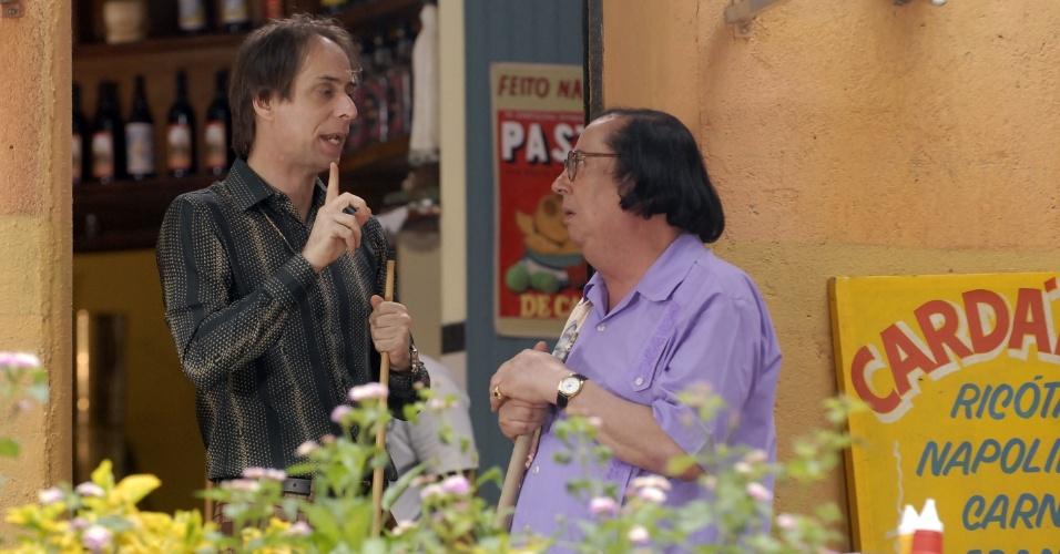 """Pedro Cardoso e Marcos Oliveira em cena de """"A Grande Família"""""""
