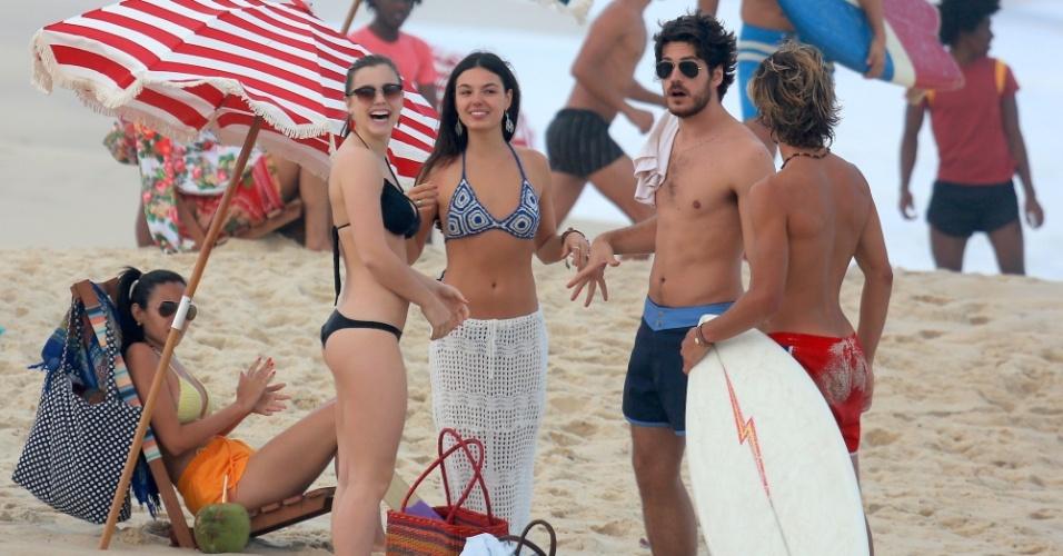 """4.set.2014 - Atores gravam cenas de """"Boogie Oogie"""" na praia do Recreio dos Bandeirantes, no Rio de Janeiro"""