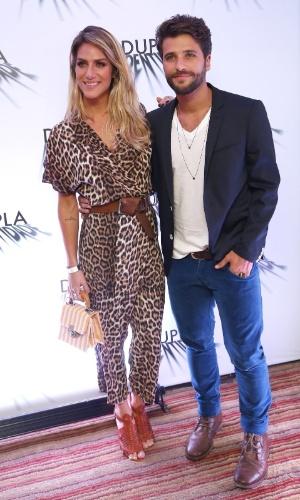 """4.set.2014 - Protagonista de """"Dupla Identidade"""", Bruno Gagliasso vai à coletiva de imprensa da série com a mulher, Giovanna Ewbank"""