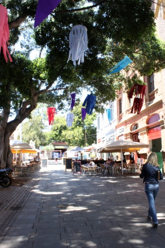 Calle de la Noria, onde estavam as primeiras casas dos pescadores de Tenerife, hoje está revitalizada e abriga restaurantes e bares