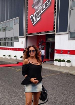 """Daniela Mercury em frente ao estúdio do """"The Voice Kids"""", em Lisboa"""