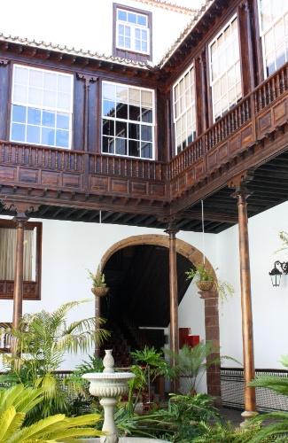 Pátio interior de casa em La Laguna, nas ilhas Canárias