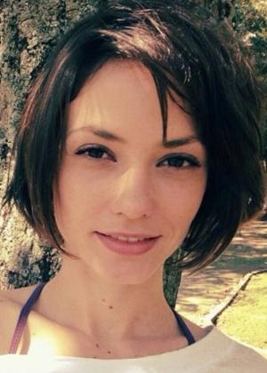 """Rosanne Mullholland exibe corte de cabelo da personagem de """"Alto Astral"""", da Globo"""