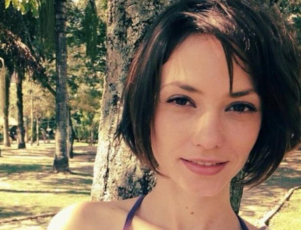 """Rosanne Mulholland corta o cabelo para viver a nadadora Débora em """"Alto Astral"""""""