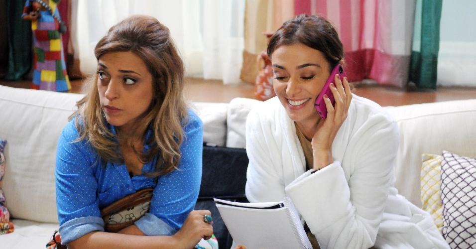 05.set.2014 - Júlia Rabello interpreta Natalie,melhor amiga de Fernanda (Mônica Martelli) é uma mal sucedida atriz que não quer saber de compromissos afetivos
