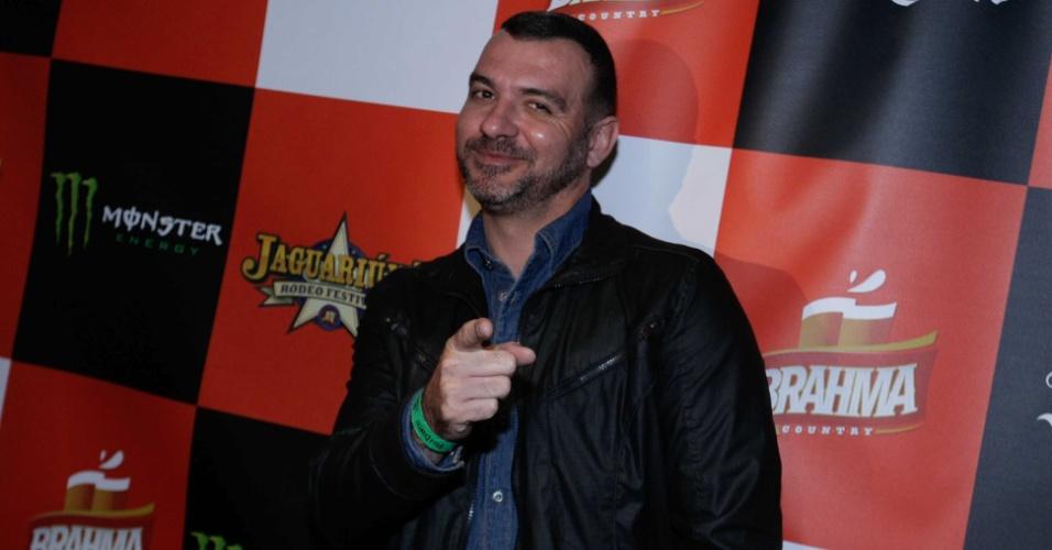 4.set.2014 - O ex-BBB Vagner comparece à festa de lançamento do Jaguariúna Rodeo Festival, em uma casa de show na zona oeste de São Paulo
