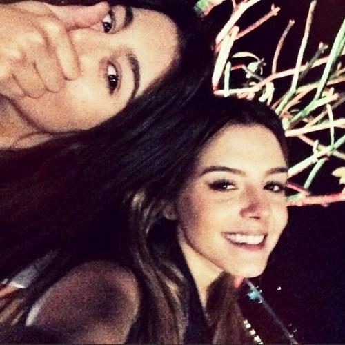 """5.ago.2014 - Giovana Lancelotti posta foto ao lado da irmã Gabriela para homenagear o Dia do Irmão. """"Feliz Dia do Irmão para a minha picorrucha"""", escreve a atriz no Instagram"""