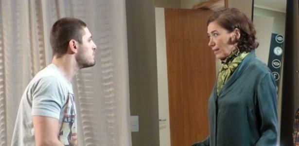 """Em """"Império"""", Maria Marta está disposta a perseguir a namoradinha do marido"""