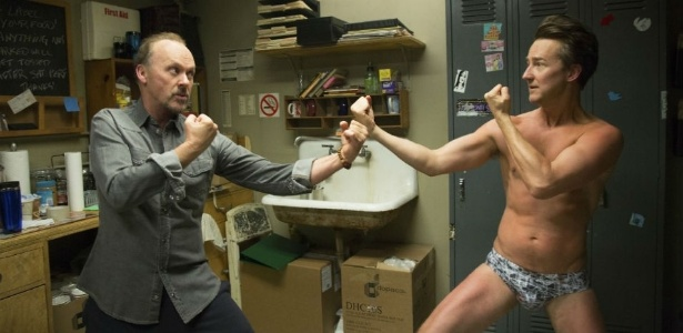 "Michael Keaton e Edward Norton em cena de ""Birdman"", de Alejandro González Iñárritu - Divulgação"