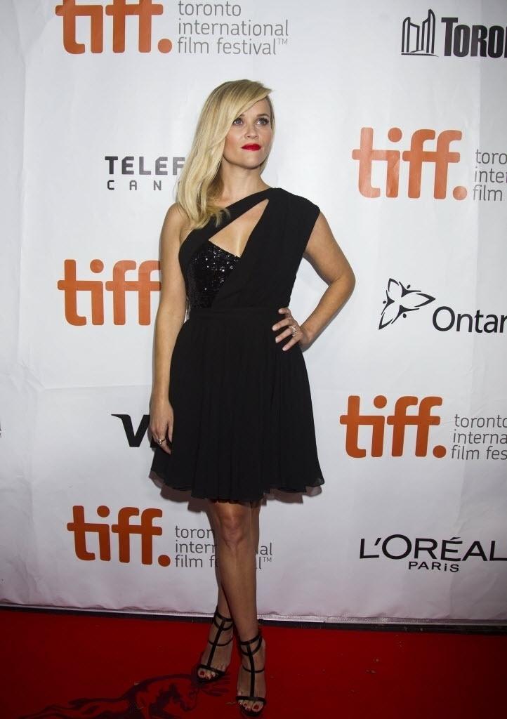 8.set.2014 - A atriz Reese Witherspoon chama a atenção na première do filme