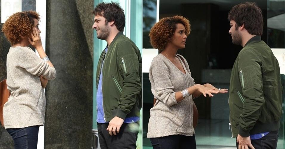 """9.set.2014 - Durante gravação de """"Geração Brasil"""", Taís Araújo exibe a barriguinha de grávida"""