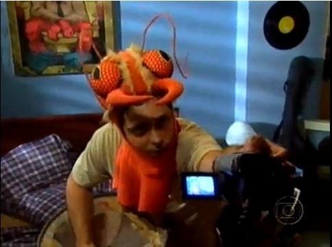 """Tuco (Lúcio Mauro Filho) decidiu ganhar dinheiro fazendo vídeos engraçados para a internet em """"A grande família"""""""