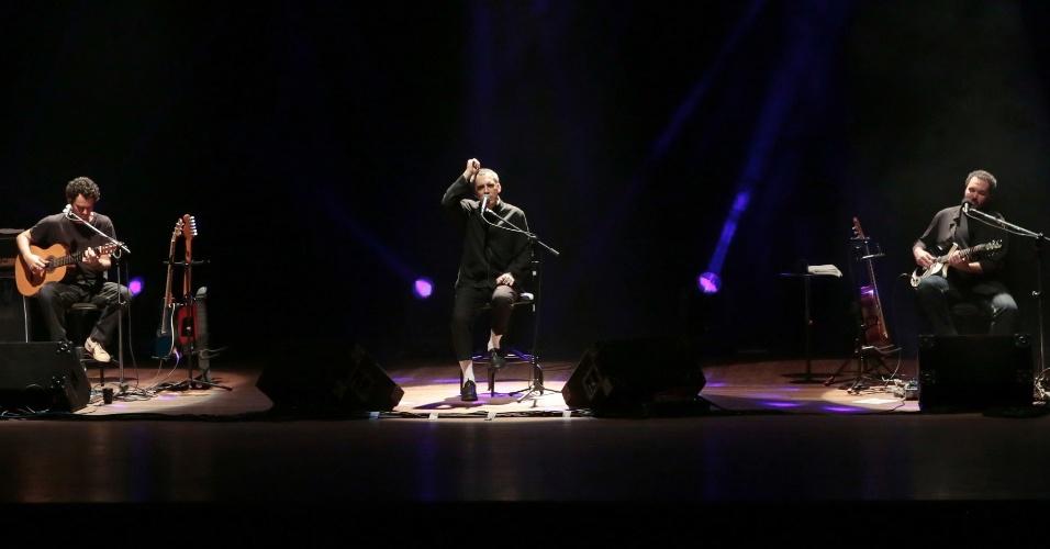 8.set.2014 - Arnaldo Antunes se apresenta na abertura do 14º Curta-SE, Festival Ibero-americano de Cinema de Sergipe, em Aracaju, na noite de segunda-feira