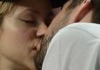 Shakira exibe barriguinha de grávida e troca beijos com Piqué durante jogo - KDNPIX/The Grosby Group