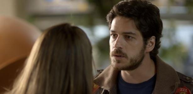 """Em """"Boogie Oogie"""", Rafael confronta Susana e a leva para seu carro"""