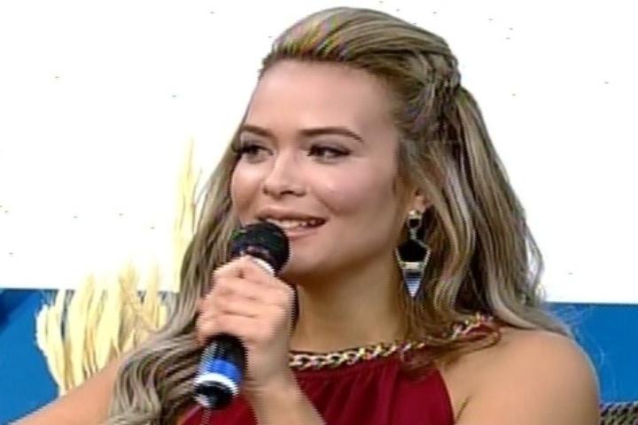 """10.set.2014 - Geisy Arruda no """"Hoje em Dia"""" sobre a sétima edição de """"A Fazenda"""""""