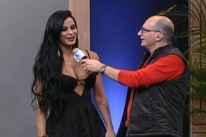 10.set.2014 - Lorena Bueri é a segunda integrante de