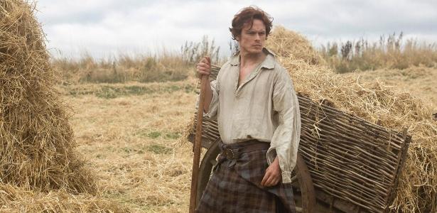 """O ator Sam Heughan em cena da série """"Outlander"""""""