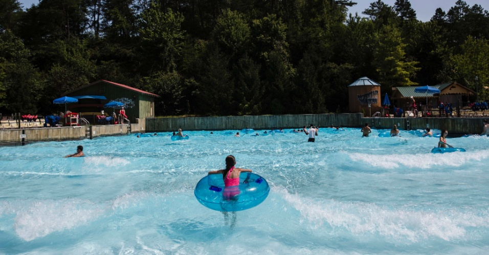 O parque da cantora Dolly Parton no Tennesse, nos Estados Unidos, oferece diversos atrativos aquáticos para seus visitantes