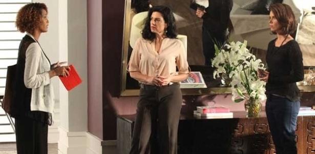 Verônica encontra Sandra na casa de uma amiga