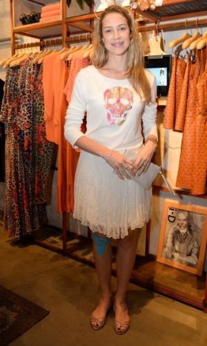 """10.set.2014 - Luana Piovani vai ao lançamento da coleção """"Oito Vidas"""", uma parceria da ONG homônima com a grife feminina Eva, em uma loja em Ipanema, na zona sul do Rio de Janeiro"""