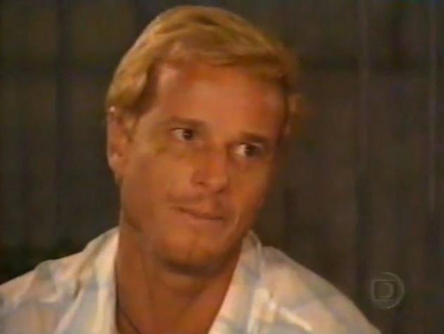 """Em 2000, Marcello Novaes interpretou Beterraba na novela """"Uga Uga"""""""