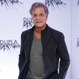 """Marcello Novaes vive o delegado Dias na minissérie global """"Dupla Identidade"""""""