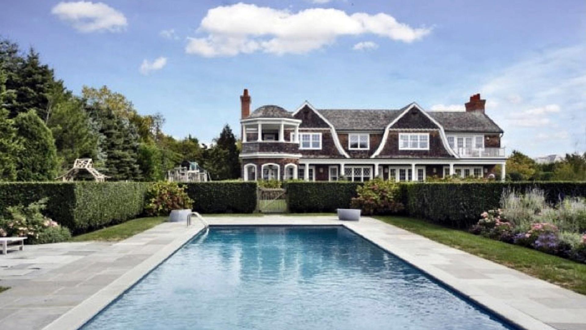 Piscina da mansão de Jennifer Lopez nos Hamptons, em Nova York