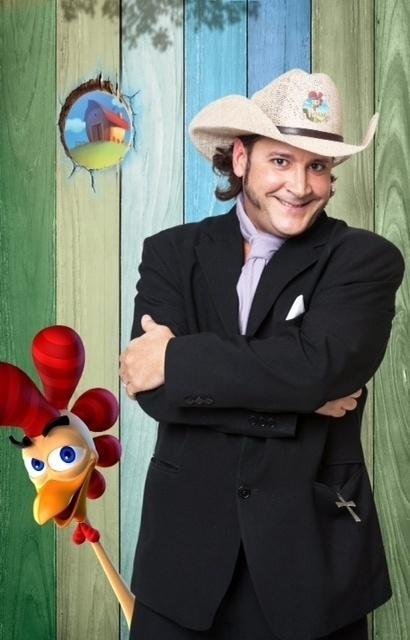 14.set.2014 - O ex-menudo Roy Rosseló na estreia de