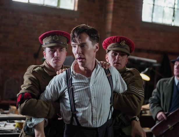 """Benedict Cumberbatch em cena de """"O Jogo da Imitação"""" - Divulgação"""