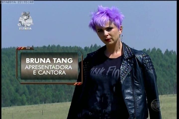 """14.set.2014 - Bruna Tang em """"A Fazenda 7"""""""