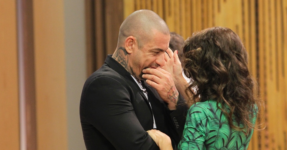 12.set.2014 - Ana Paula Padrão e o chef de cozinha Henrique Fogaça