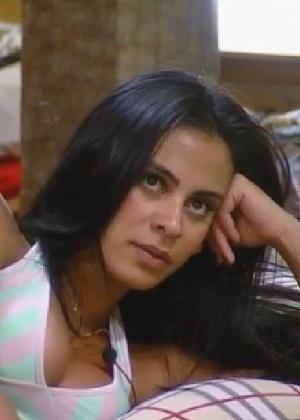 """Lorena Bueri diz que transou com ex-peão de """"A Fazenda"""", sem revelar o nome do participante"""