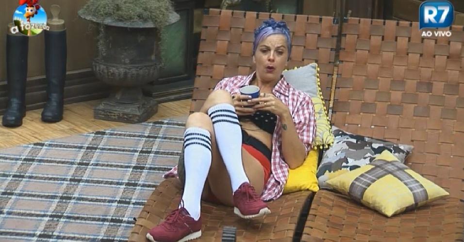 Bruna Tang diz para Lorena Bueri que Oscar Maroni quer formar casal para criar polèmica