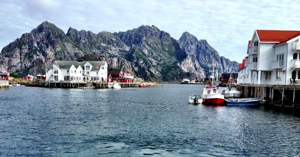 Principal centro de pesca de bacalhau da Noruega, as ilhas Lofoten abriga lindas vilas e montanhas