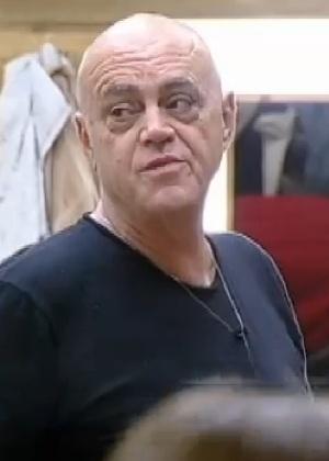 """O empresário Oscar Maroni conversa com os peões na sede de """"A Fazenda 7"""""""
