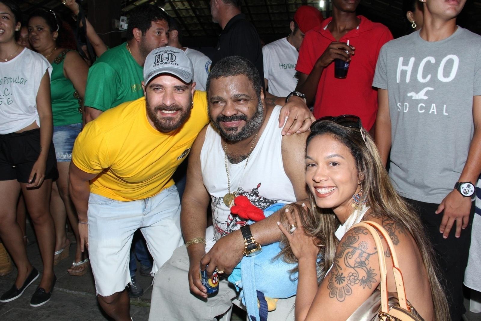 15.set.2014 - Arlindo Cruz comemora 56 anos com festa cheia de amigos famosos no Clube Cheirinho do Gol, no Recreio dos Bandeirantes, zona oeste do Rio de Janeiro, nesta segunda-feira