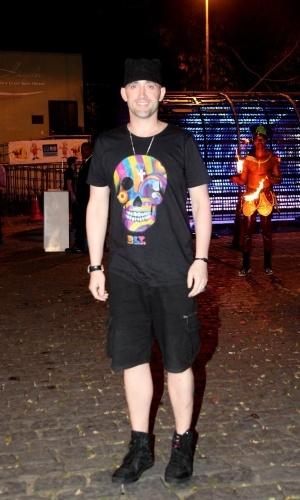 """15.set.2014 -Paulo Gustavo vai ao aniversário do produtor Sandro Chaim, no Rio. A atriz está no ar na novela """"Boogie Oogie"""""""