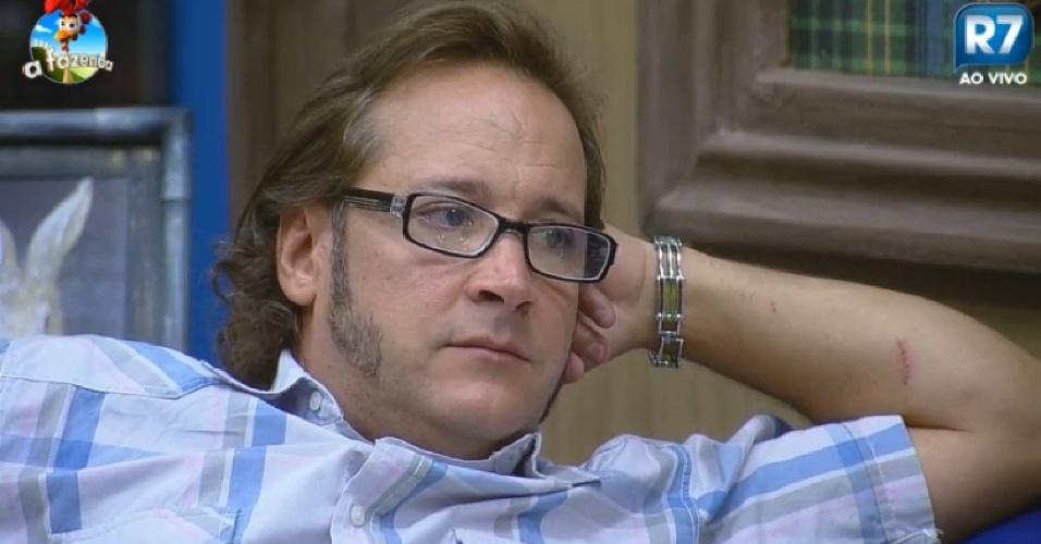 16-09-2014 Roy Rosseló se emociona em conversa com Felipeh Campos