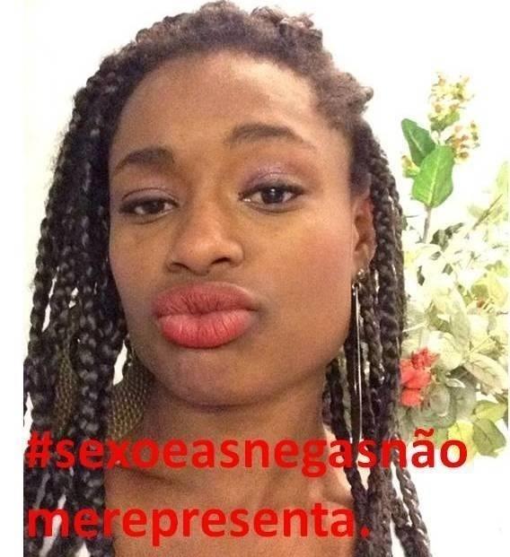 """16.set.2014- Com hashtag """"sexoeasnegasnãomerepresentam"""", mulheres e homens de todo o país manisfestam contrário a exibição da série"""