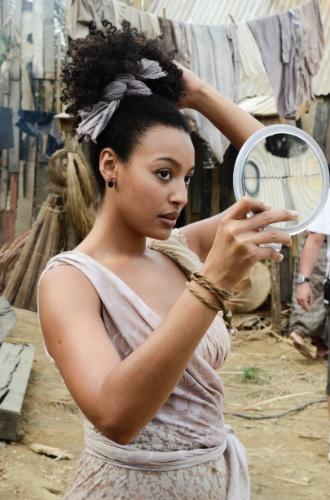"""2013 - Em """"Lado a Lado"""", a atriz Sheron Menezzes interpretou a vilã de origem pobre Berenice"""