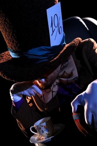 """O Chapeleiro Louco em cena de """"Um Conto De Batman: Na Psicose Do Ventríloquo"""""""