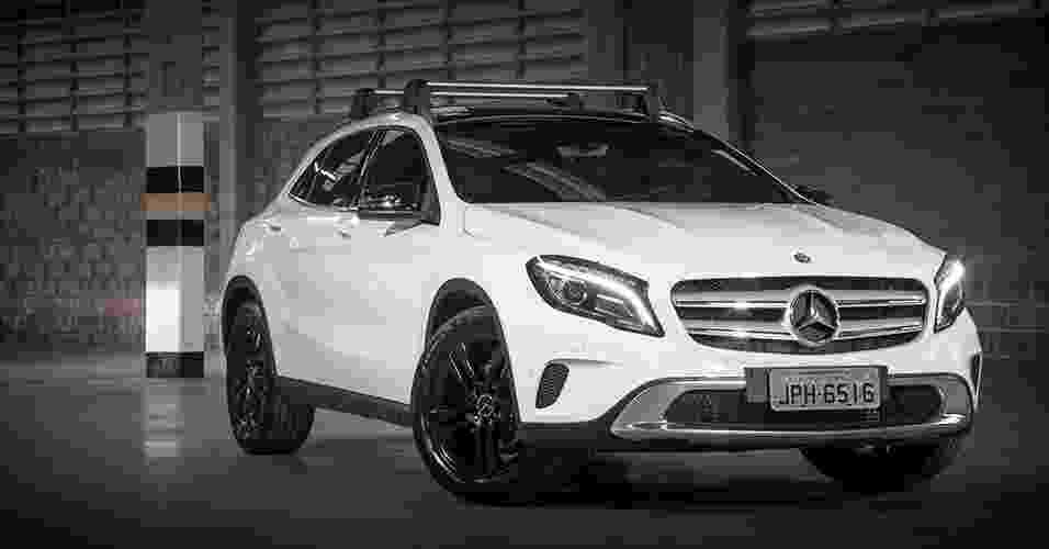 Mercedes-Benz GLA 200 Vision Black Edition - Divulgação