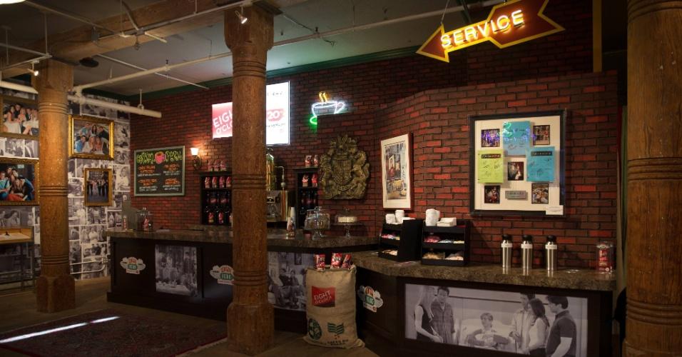 Set.2014 - A Eight O?Clock vai servir café gratuitamente para os visitantes da réplica do Central Perk, montada em Nova York em parceria com a Warner Bros