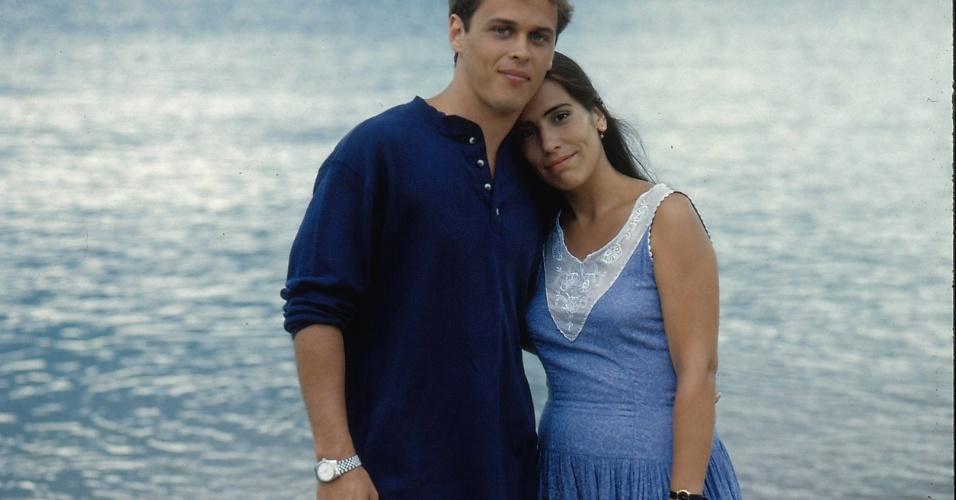 """1993 - Guilherme Fontes e Glória Pires em cena da novela """"Mulheres de Areia"""""""