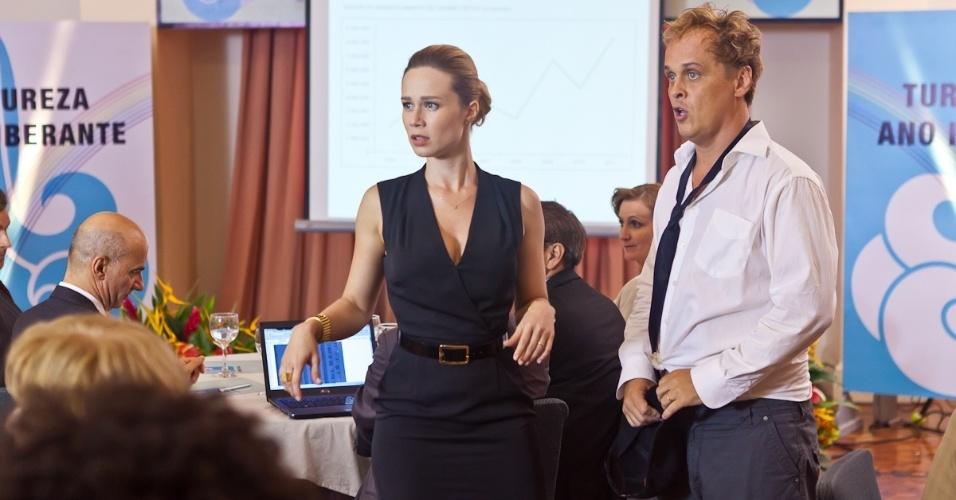 """2012 - Em cena da série """"As Brasileiras"""", Guilherme Fontes (Nelson) contracenou com Mariana Ximenes (Liliane)"""