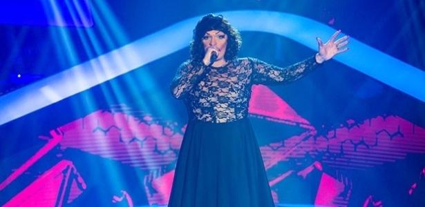 """A transformista Deena Love durante apresentação do """"The Voice Brasil"""""""